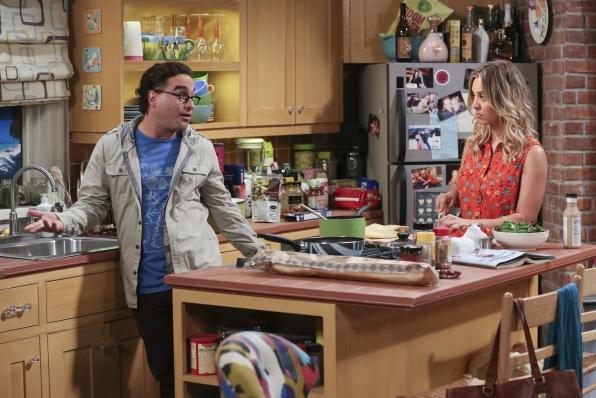 "Leonard & Penny in ""The Raiders Minimization"" Episode 4 of Season 7"