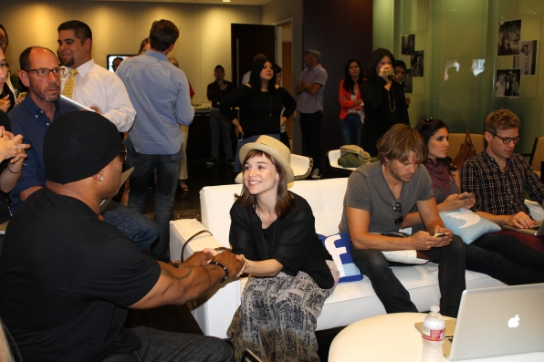 NCISLA Cast Tweeting Away