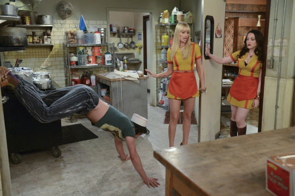 "Kitchen twerkout in ""And The Piece of Sheet"" Episode 6 of Season 3"