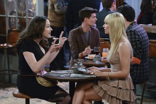 """Max & Caroline in """"And The """"It"""" Hole"""" Episode 8 of Season 3"""