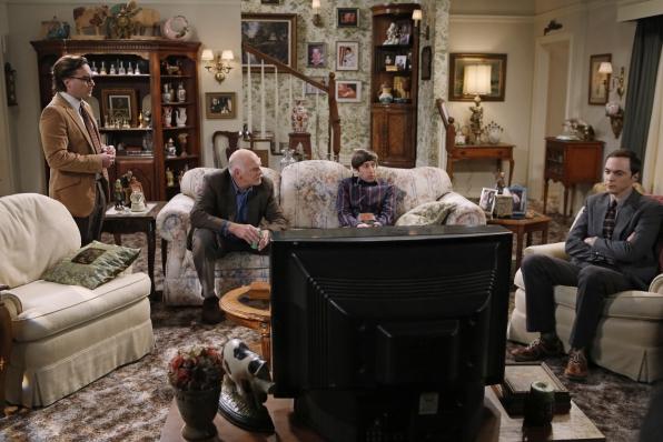 "Thanksgiving TV in ""The Thanksgiving Decoupling"" Episode 9 of Season 7"