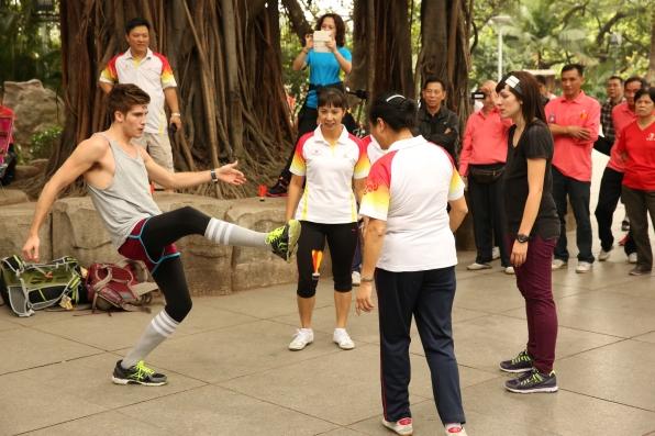 Joey and Meghan in Episode 2 Season 24
