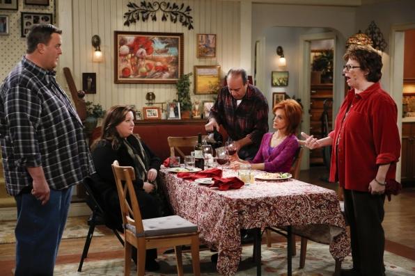 """Family dinner in """"Mind Over Molly"""" S4 E12"""