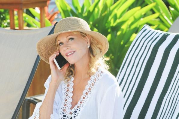 """Melanie Griffith Guest Star """"Pale'la"""" S4 E15"""