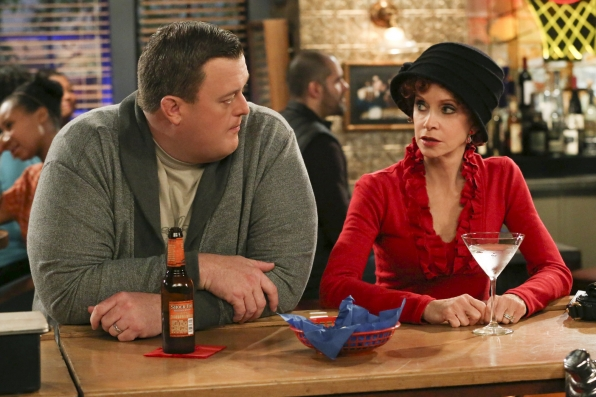 """Hat lady in """"Open Mike Night"""" S4 E13"""