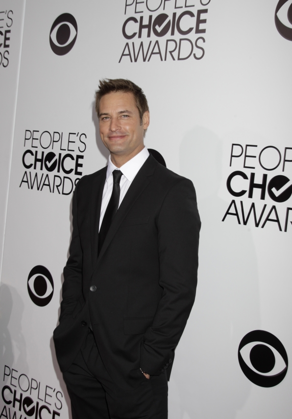 The 2014 People's Choice Awards Red Carpet - Josh Holloway