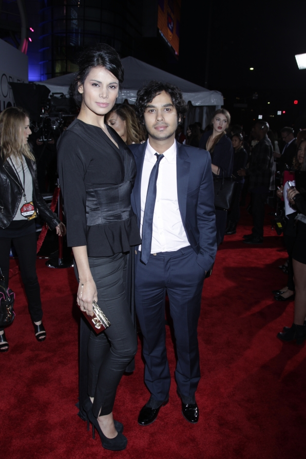 The 2014 People's Choice Awards Red Carpet - Kunal Nayyar