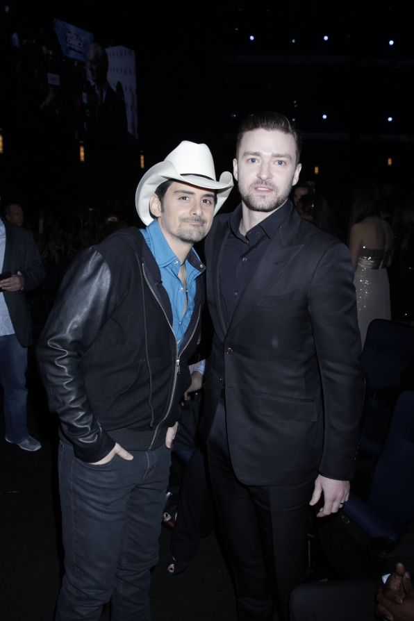 The 2014 People's Choice Awards Behind The Scenes - Brad Paisley and Justin Timberlake