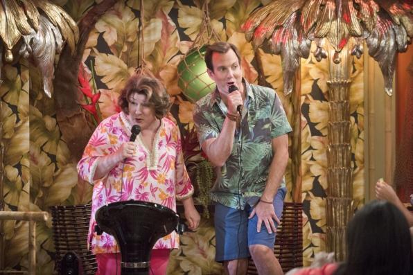 "Karaoke master in ""Bahama Mama"" S1 E16"