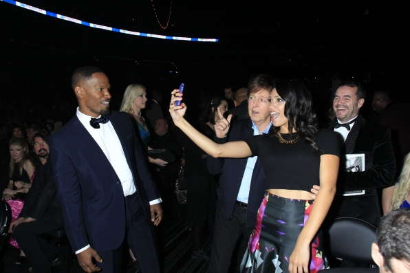 Selfie With Paul McCartney - GRAMMYs 2014 - CBS.com