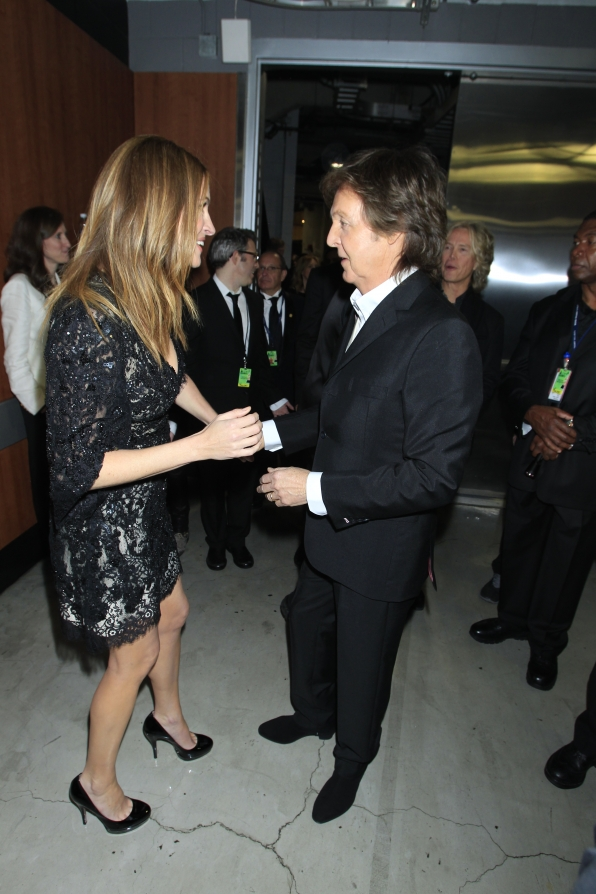 Julia Roberts & Paul McCartney Backstage - GRAMMYs 2014 - CBS.com