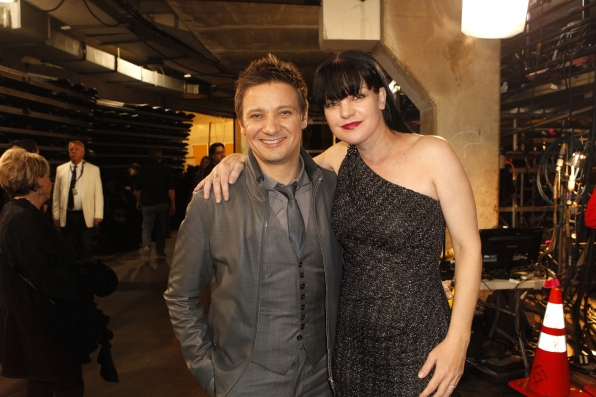 Pauley Perrette & Jeremy Renner Backstage - GRAMMYs 2014 - CBS.com