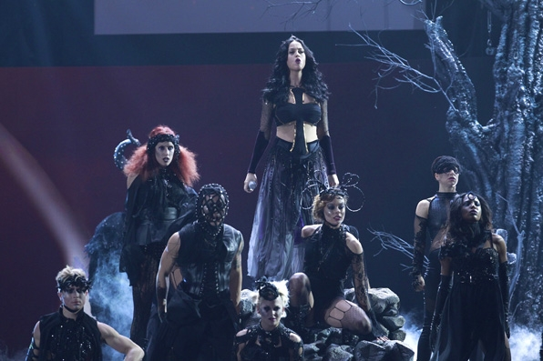 "(2014) Katy Perry and her cast of dancers kick off a wild GRAMMY performance of her song ""Dark Horse."""
