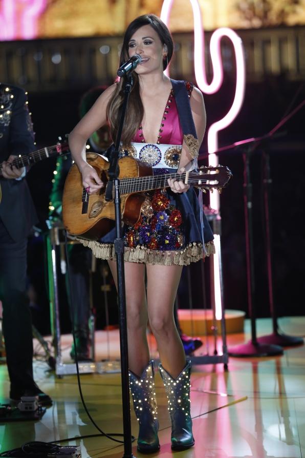 Kacey Musgraves - GRAMMYs 2014 - CBS.com