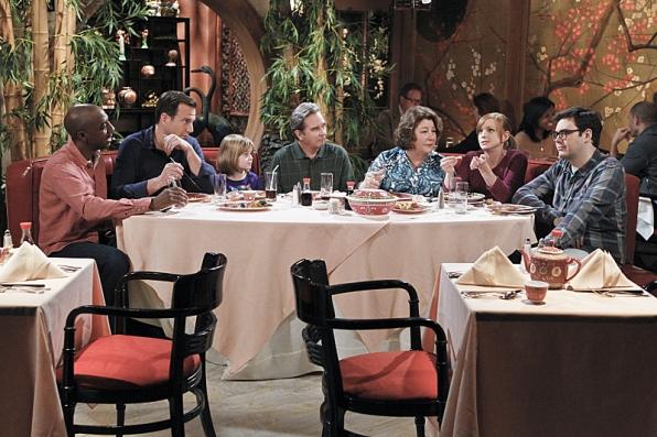"Family dinner in ""Tomlandia"" S1 E20"