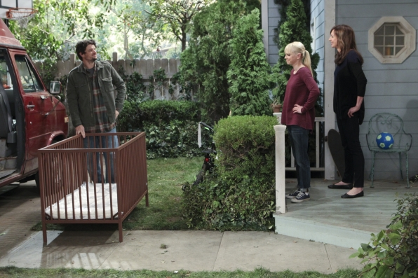 """Crib delivery in """"Sonograms and Tube Tops"""" S1 E18"""