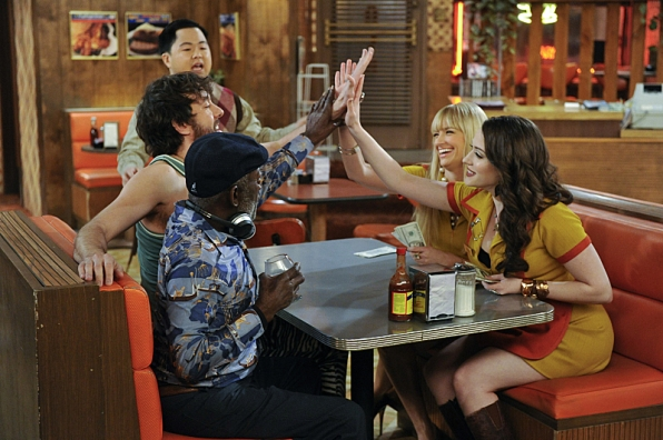 Season 3 Episode 22 Photos - 2 Broke Girls