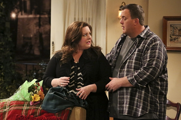 "Mike & Molly in ""This Old Peggy"" S4 E22"