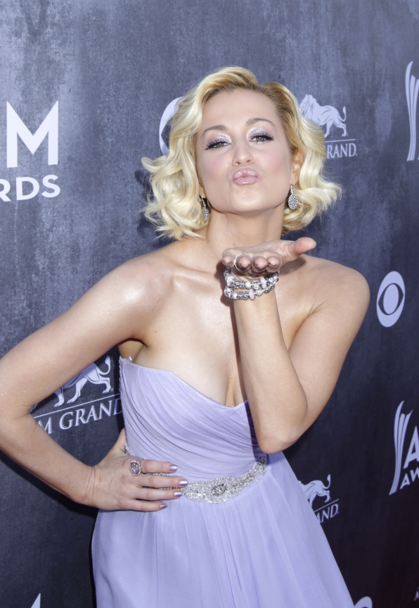 Kellie Pickler on the Red Carpet - 49th ACM Awards 2014