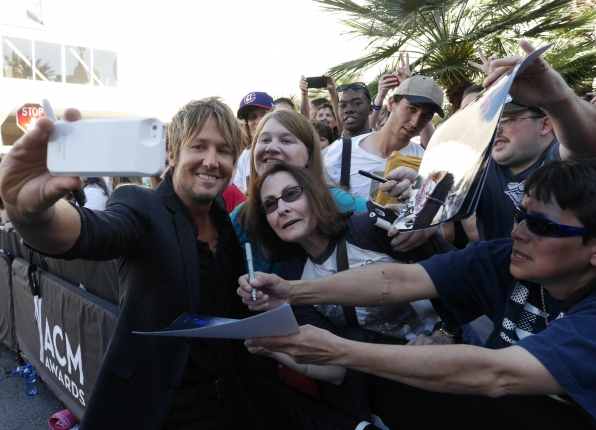 Keith Urban on the Red Carpet - 49th ACM Awards