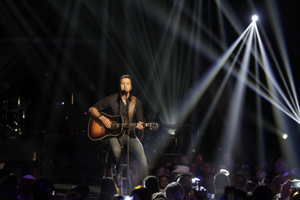 Luke Bryan - ACM Presents: An All-Star Salute To The Troops