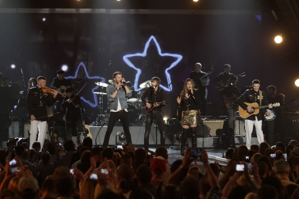 Lady Antebellum - ACM Presents: An All-Star Salute To The Troops