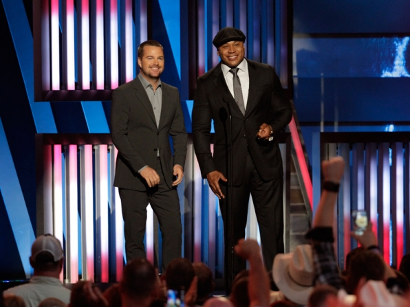 Chris On'Donnell and LL COOL J - ACM Presents: An All-Star Salute To The Troops