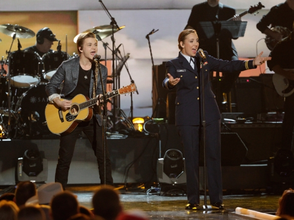Hunter Hayes - ACM Presents: An All-Star Salute To The Troops