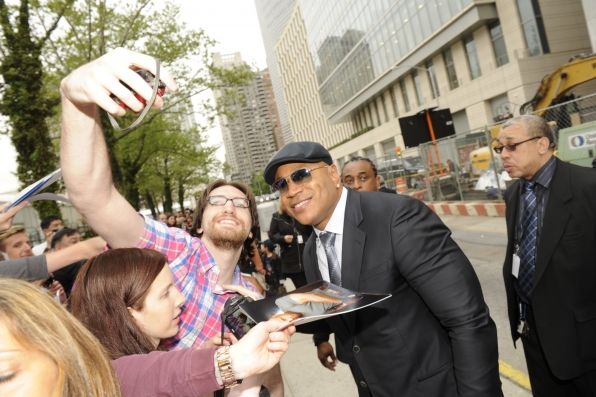 LL Cool J With A Fan - 2014 CBS Upfront Presentation