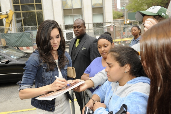 Daniela Ruah With The Fans - 2014 CBS Upfront Presentation