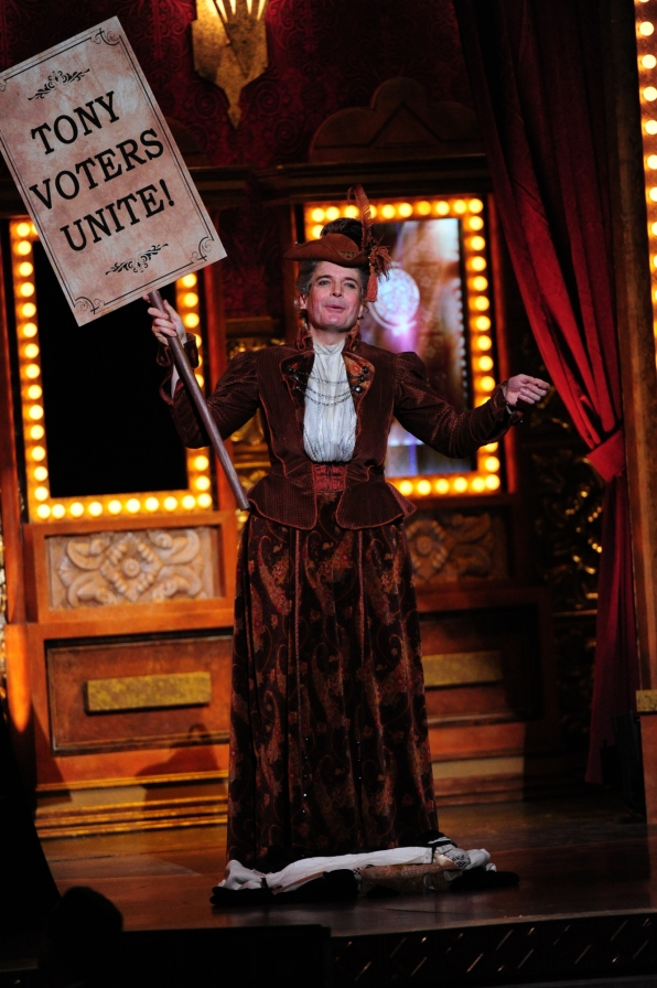 5. Jefferson Mays On-Stage Outfit Changes - Tony's Unforgettable Moments