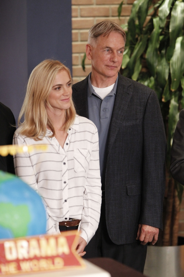 Emily Wickersham and Mark Harmon