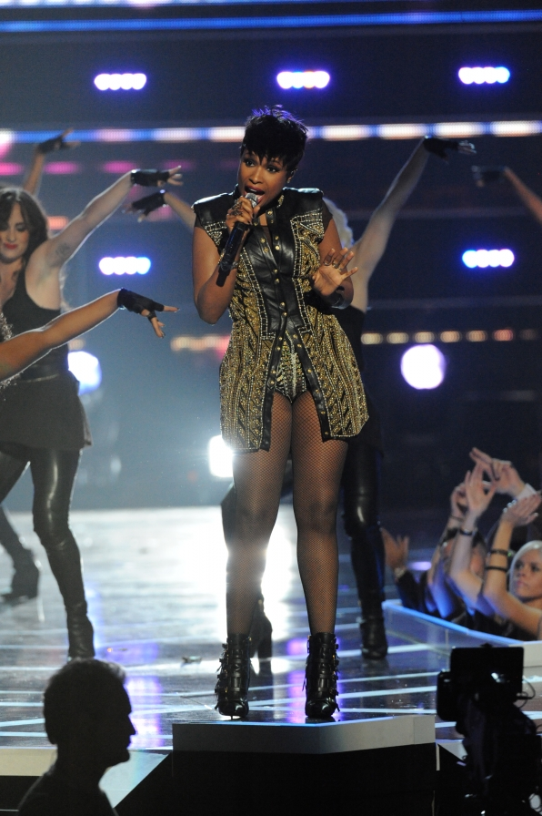 Jennifer Hudson Performs