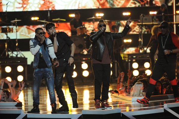 Enrique Iglesias, Sean Paul, and Nico & Vinz perform