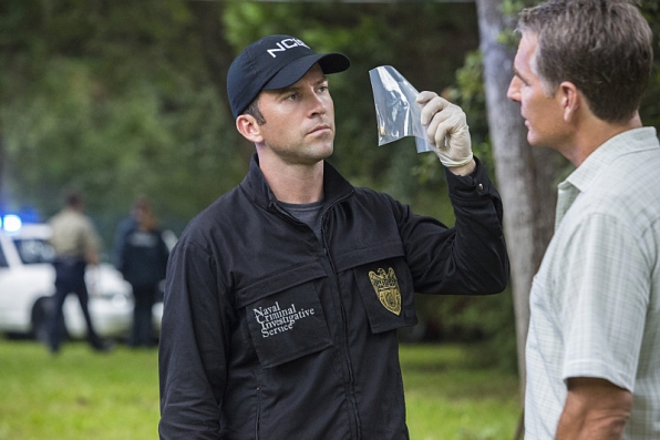 """Breaking Brig"" - NCIS: New Orleans S1 E3"