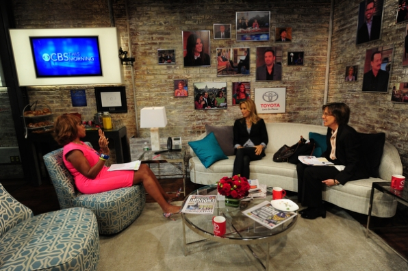 Gayle King, Téa Leoni and Pattie Sellers in the Green Room