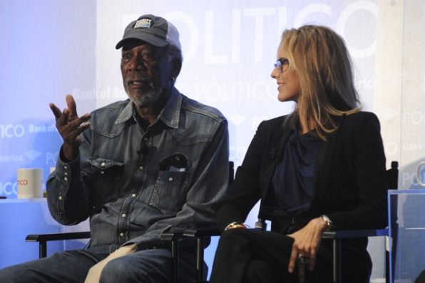 Morgan Freeman and Téa Leoni