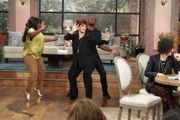 1. The ladies twerking off with Wayne Brady.