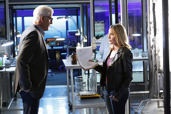 """Let's Make A Deal"" CSI S15 E9"