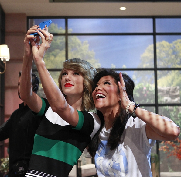 Taylor Swift and Julie Chen