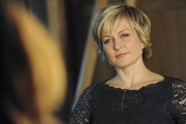 Amy Carlson Looks Stunning As She Discusses the 100th Episode of Blue Bloods