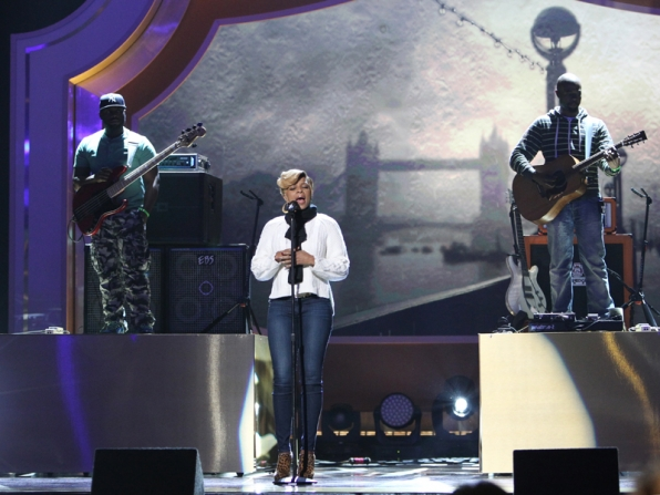 6. Mary J Blige will make this a night to remember.