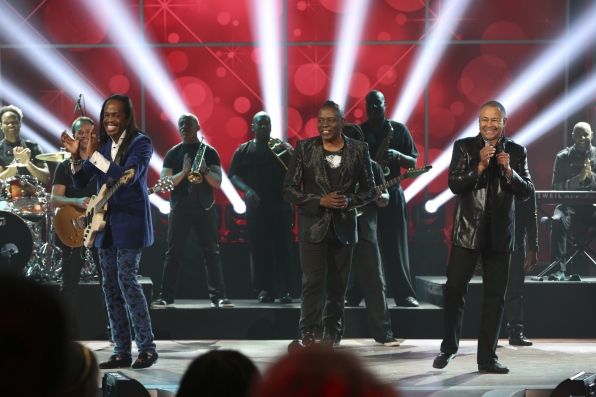 "Earth Wind & Fire Bring the Funk for the 16th Annual ""A Home for the Holidays"" Special"