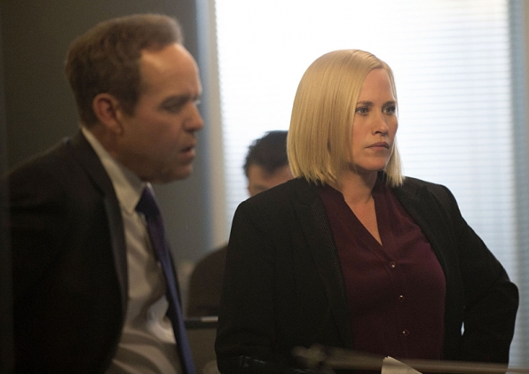 """Killer en Route"" - CSI: Cyber S1 E3"