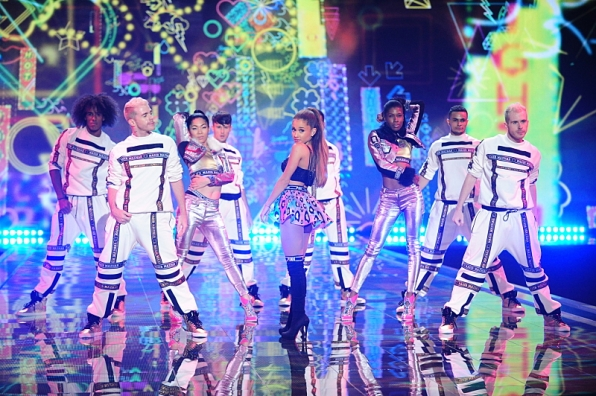 No Problem here! Ariana Grande rocked her performance.