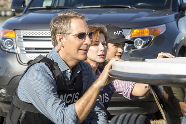 """The Abyss"" - NCIS: New Orleans S1 E12"
