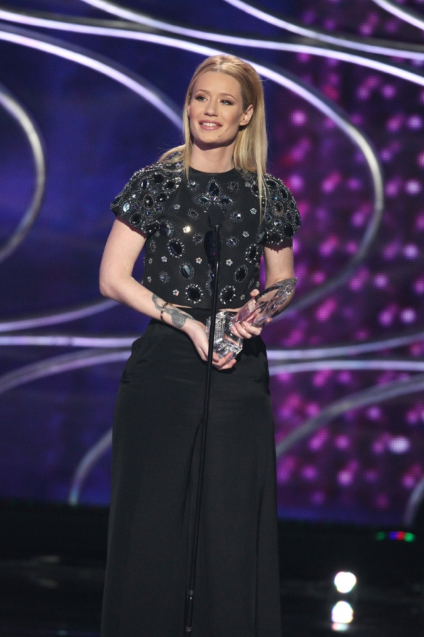 Iggy Azalea, winner of Favorite Hip-Hop Artist.