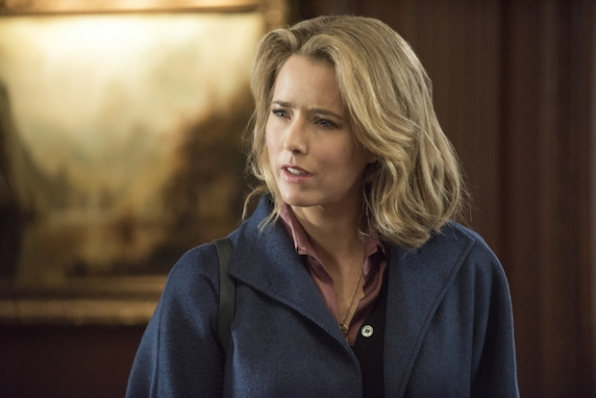 2. Téa Leoni's grandmother was a former Broadway actress and a big acting influence.