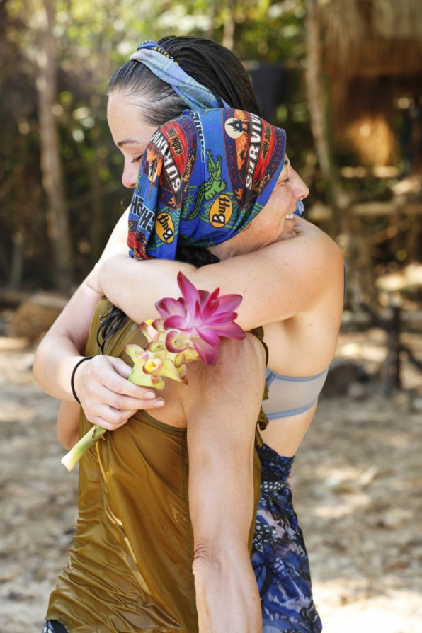 Debbie and Liz embrace before competing in the Immunity Challenge.