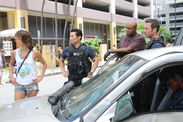 Grace Park as Kono Kalakaua, Daniel Dae Kim as Chin Ho Kelly, Chi McBride as Captain Lou Grover, and Alex O'Loughlin as Steve McGarrett